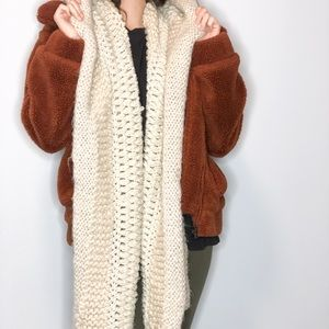 H&M HOODED SCARF IN CREAM